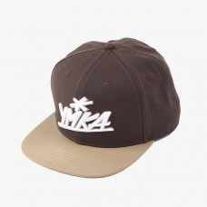 Ymka Shix brown logo snap